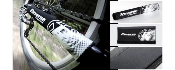 Reverse - Protège base arrière néoprène avec logo 7426